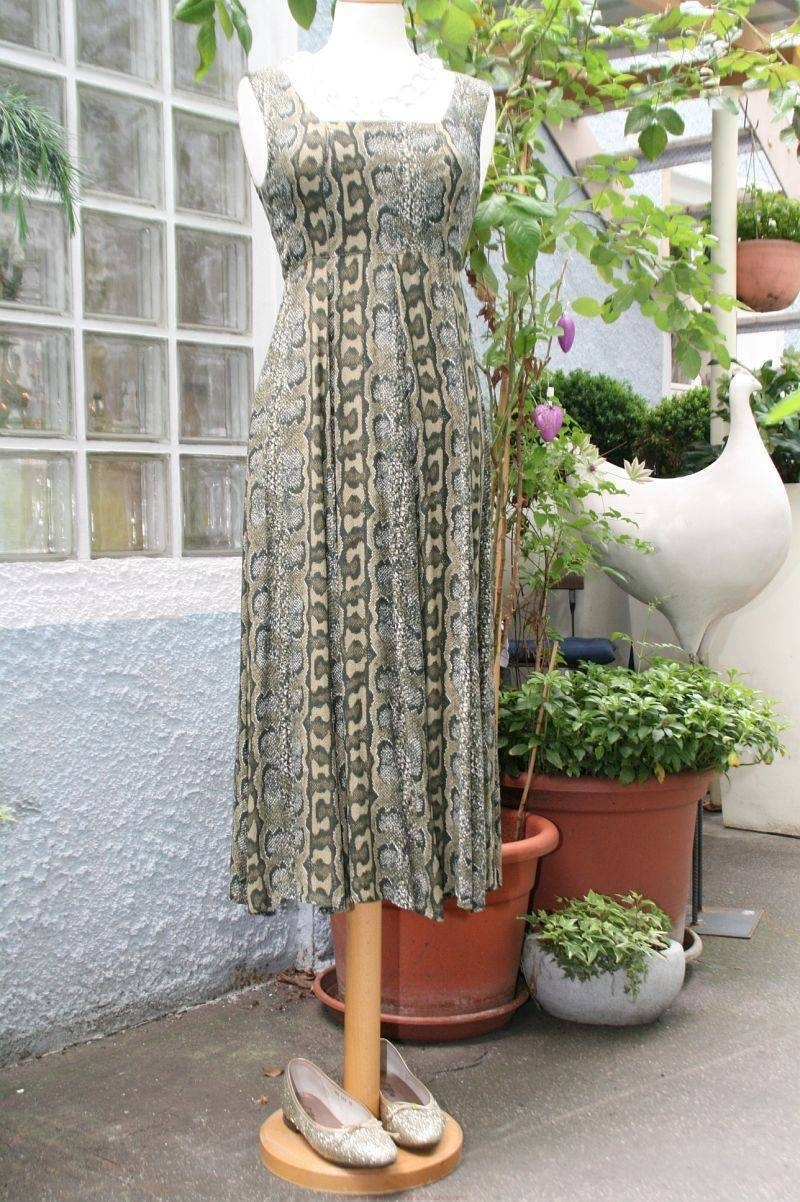 secondhand-abendkleid-mit-animaldruck-800w