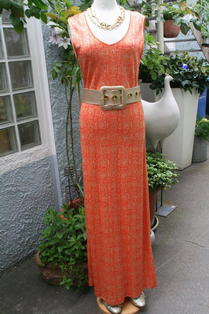 vintage-abendkleid-in-orange-und-gold-800w